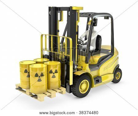 Empilhador de forquilha com barris radioativos