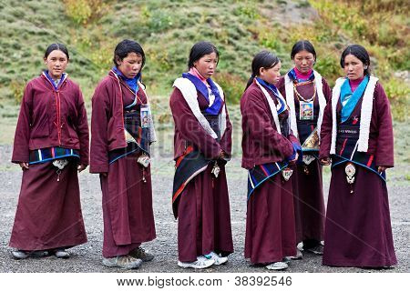 Tibetan Shoolgirls