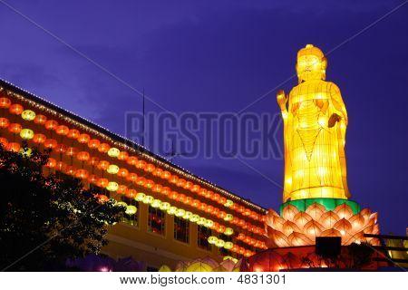 Lantern Performance (Buddha Temple)