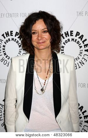 """LOS ANGELES - JUL 16:  Sara Gilbert arrives at  """"An Evening With Web Therapy: The Craze Continues..."""" at the Paley Center for Media on July 16, 2013 in Beverly Hills, CA"""