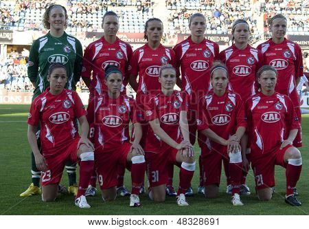 MADRID, SPAIN. 20/05/2010. Potsdam players prior to the Women's Champions League final  played in the Coliseum Alfonso Perez, Getafe, Madrid.