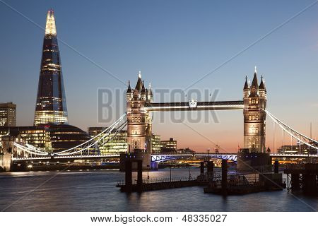 London Tower Bridge und die Splitter