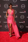 LOS ANGELES - JUL 17:  Shaun Robinson arrives at the 2013 ESPY Awards at the Nokia Theater on July 1
