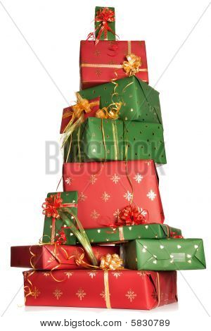 Gestapelte Weihnachtsgeschenke