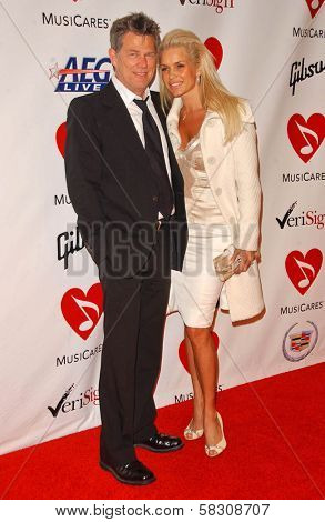 David Foster and guest at the 2007 MusiCares Person of the Year Honoring Don Henley. Los Angeles Convention Center, Los Angeles, CA. 02-09-07