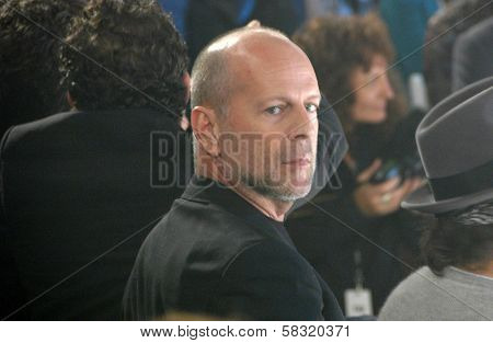 Bruce Willis inside at the 2006 GM TEN Fashion Show. Paramount Studios, Hollywood, CA. 02-20-07