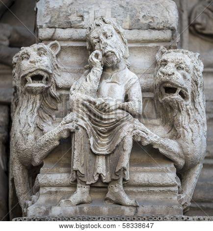 Arles, Saint-trophime Church