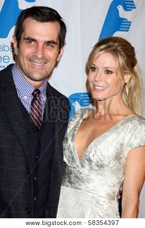Ty Burrell, Julie Bowen at the Saban Free Clinic Gala, Beverly Hilton, Beverly Hills, CA 11-19-12