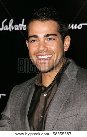 Jesse Metcalfe at the Rodeo Drive Walk of Style Awards Honoring Salvatore Ferragamo. Rodeo Drive, Beverly Hills, CA. 10-08-06