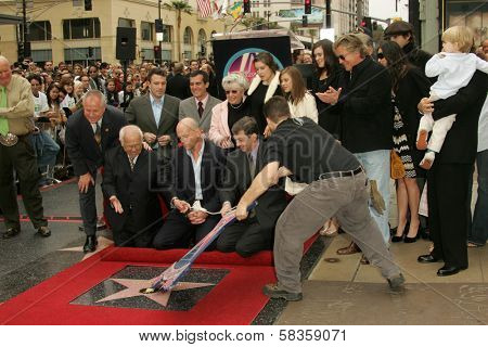 Bruce Willis with his family and friends at the Ceremony honoring Bruce Willis with the 2,321st star on the Hollywood Walk of Fame. Hollywood Boulevard, Hollywood, CA. 10-16-06
