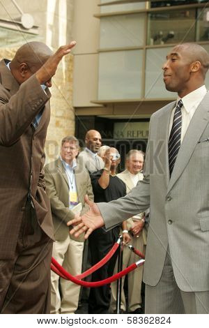 Magic Johnson and Kobe Bryant at the Ceremony Honoring Los Angeles Lakers Owner Jerry Buss with the 2,323rd star on the Hollywood Walk of Fame. Hollywood Boulevard, Hollywood, CA. 10-30-06