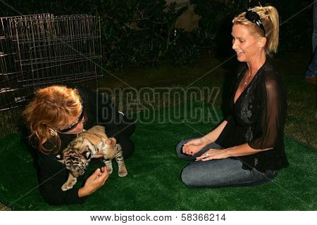 Martine Collette and Nicolette Sheridan at 2006 Safari Brunch Fundraiser For The Wildlife Waystation. Playboy Mansion, Los Angeles, CA. 10-14-06