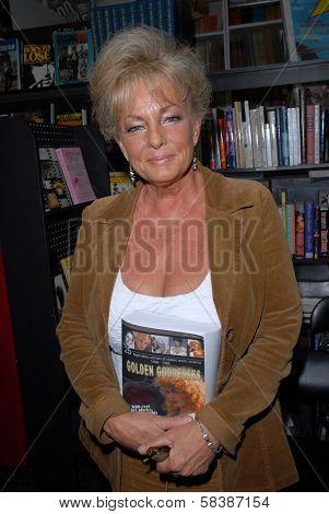 Rhonda Jo Petty at a book signing for
