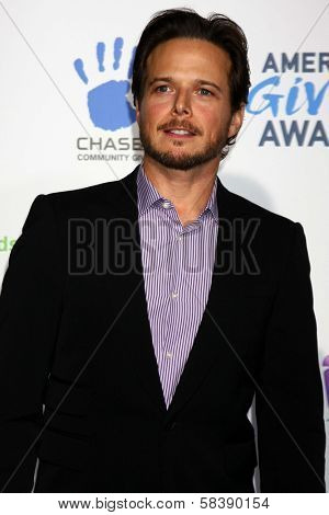 Scott Wolf at the Second Annual American Giving Awards, Pasadena Civic Auditorium, Pasadena, CA 12-07-12