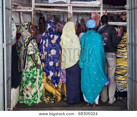 Harar. Ethiopia - December 23, 2013: Unidentified Traditionally Dressed Women In Butchery In Ancient