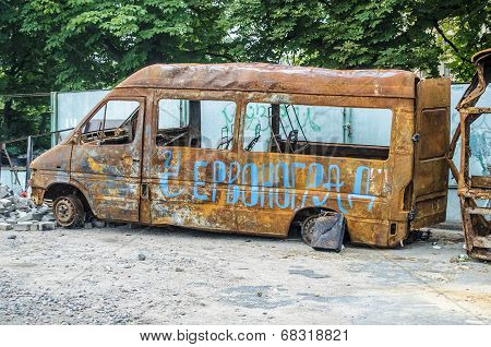 rusty bus