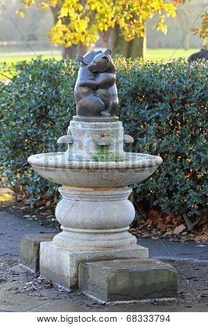 Two Bears Fountain Hyde Park