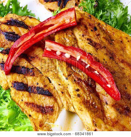 Chilly chicken on Roca-Loca salad