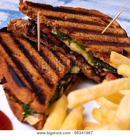 Sandwich of bread with bran