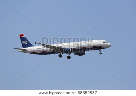 US Airways Airbus A321 in New York sky before landing at JFK Airport