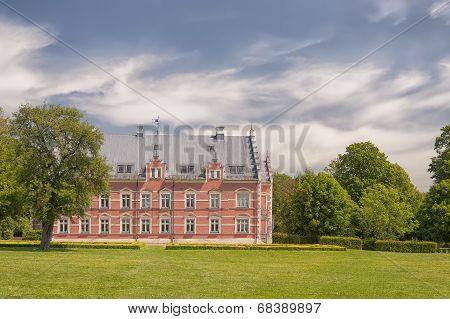 Palsjo Slott And Garden
