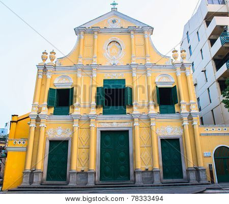 St Dominics Church on the historical Leal Senado Square