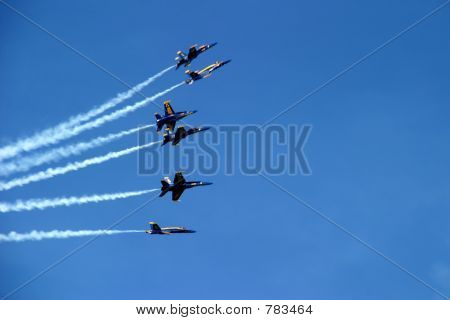 Six-Plane Formation Spreading