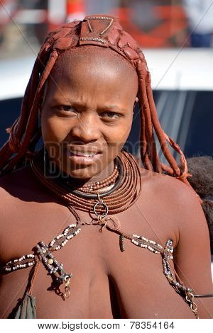 woman from Himba tribe