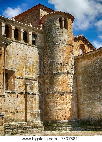 Collegiate Church Of Santillana Del Mar, Tower