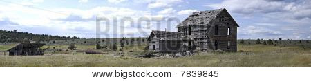 Panorama Grizzly House With Horse Barn