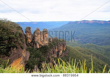 The Three Sisters, blue mountains.