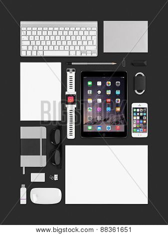 Apple Ipad Air 2, Iphone 5S, Keyboard, Magic Mouse And Smartwatch Concept Mockup