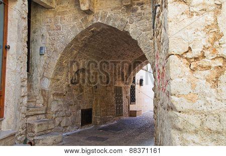 Alleyway. Bitritto. Puglia. Italy.