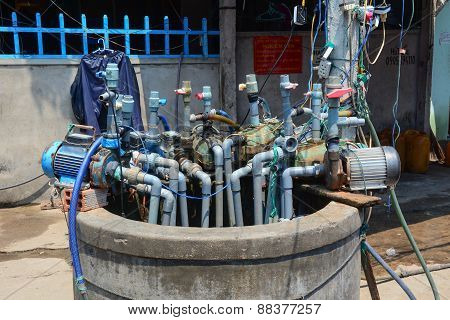 Many Pump Machines On Well