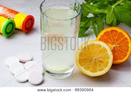 Multivitamin tablet in water