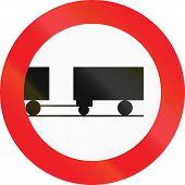 picture of towing  - Austrian regulatory sign 7b  - JPG