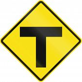 pic of intersection  - Chilean road warning sign - JPG