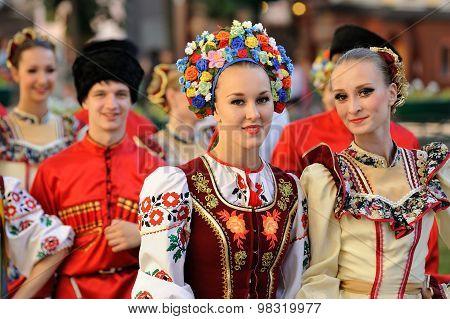 Orel, Russia, August 4, 2015: Orlovskaya Mozaika Folk Festival, Young Women In Kuban Traditional Dre