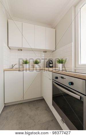 Practical Cupboards And Oven