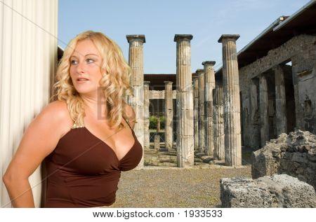 5496Pompeiicolumnsl5902 Roman Godess Copy Copy