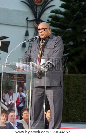LOS ANGELES - JAN 26:  Quincy Jones speaks at the Michael Jackson Immortalized  Handprint and Footprint Ceremony at Graumans Chinese Theater on January 26, 2012 in Los Angeles, CA