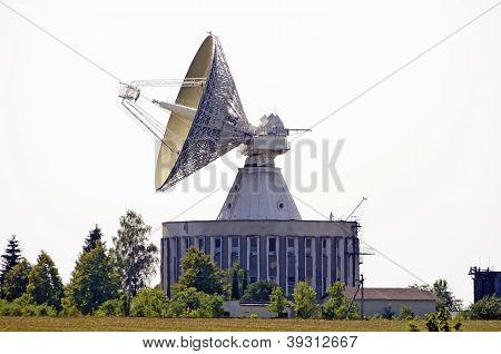 The Giant Radiotelescope