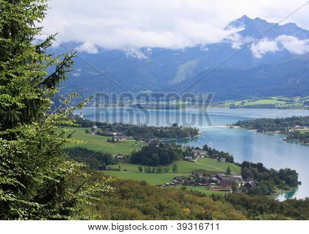 View over Lake Wolfgang