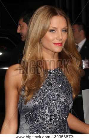LOS ANGELES - NOV 20:  Ellen Hollman arrives at the Los Angeles  'Hitchcock' Premiere at Academy of Motion Pictures Arts and Sciences on November 20, 2012 in Beverly Hills, CA