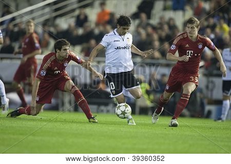 VALENCIA - NOVEMBER 20: Ever Banega with the ball during UEFA Champions League match between Valencia CF and FC Bayer Munchen, on November 20, 2012, in Mestalla Stadium, Valencia, Spain