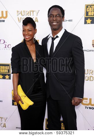 LOS ANGELES - JAN 16:  Isaiah Washington arrives to the Critics' Choice Movie Awards 2014  on January 16, 2014 in Santa Monica, CA