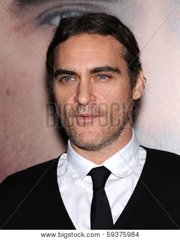 LOS ANGELES - DEC 12:  Joaquin Phoenix arrives to the
