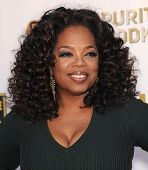 LOS ANGELES - JAN 16:  Oprah Winfrey arrives to the Critics' Choice Movie Awards 2014  on January 16