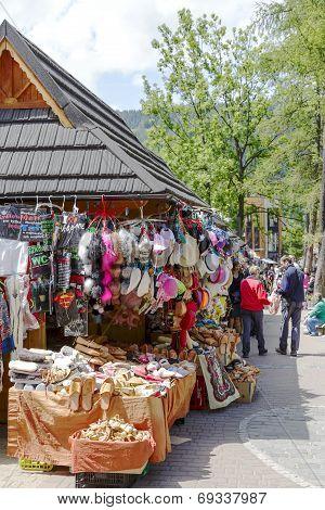 Commercial Pavilions, Sales Of Small Souvenirs
