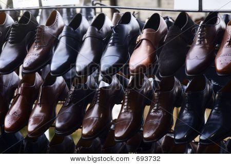 Schuhe auf dem display